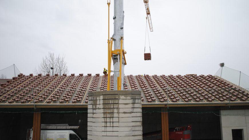 Dach wird gedeckt (Ende März 2018)
